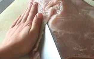 Tailler et aplatir une escalope de volaille - Etape 6