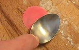 Roses en pâte d'amande - Etape 5