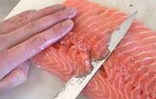Désarêter un filet de saumon - Etape 5