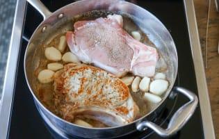Côtes de veau à la gousse d'ail - Etape 4
