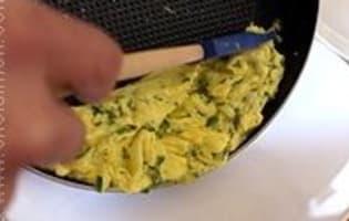Omelette roulée aux fines herbes  - Etape 8