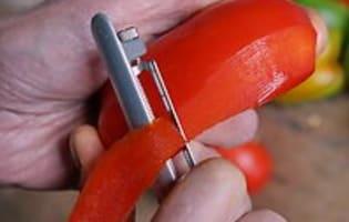 Peler un poivron au couteau  - Etape 1