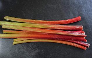 Compote de rhubarbe  - Etape 1
