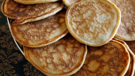 Pancakes Recette Facile De Pancakes Sucres Bien Moelleux Sans
