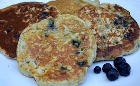 recettes de bleuets par la p 39 tite cuisine de pauline pancake am ricain aux myrtilles pancake. Black Bedroom Furniture Sets. Home Design Ideas