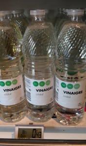 Bouteilles de vinaigre blanc en vente