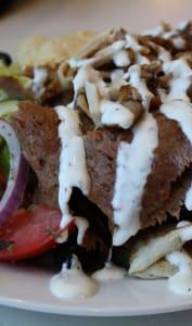 Kebabet sa sauce blanche