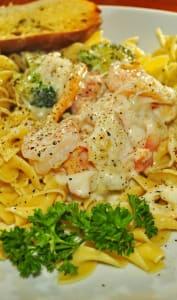 Crevettes, crabes et sauce Mornay