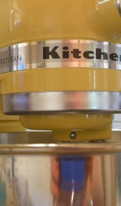 Robot kitchenaid jaune