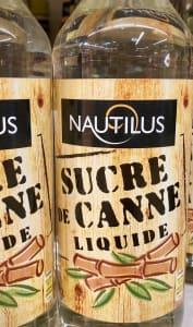Bouteilles de sirop de sucre de canne