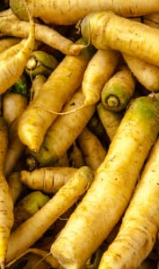 Etal de carottes jaunes