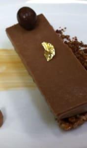 Dessert à base de namelaka au chocolat Caramélia Valrhona