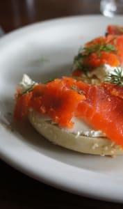 Assiette de saumon gravlax