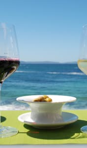 Vin blanc dans un verre