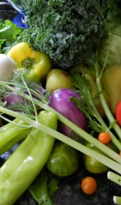 Panier de légumes et fruits frais