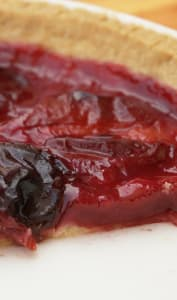 Part de tarte aux prunes
