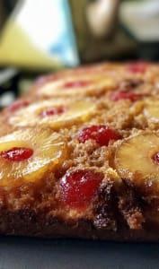 Gâteau renversé à l'ananas et cerises