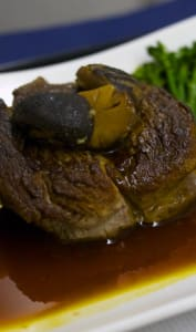 Filet de boeuf et sauce fond de veau