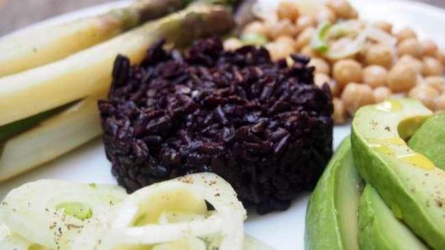 riz noir salade de fenouil asperges pois chiche et. Black Bedroom Furniture Sets. Home Design Ideas
