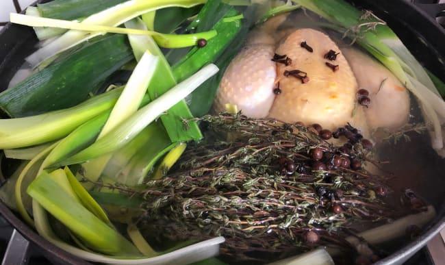 Poule au pot en cocotte