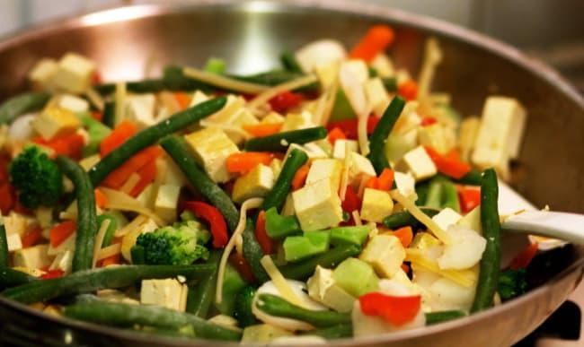 Poêlée de légumes et tofu