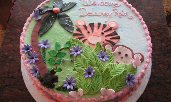 Gâteau décoré en pâte à sucre