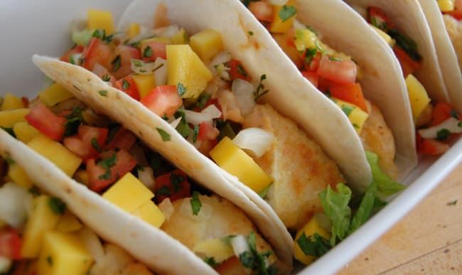 Tacos avec sauce mango.