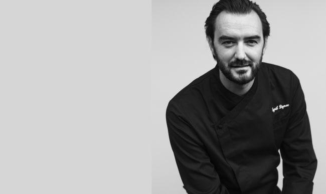 Portrait noir et blanc du Chef Cyril Lignac