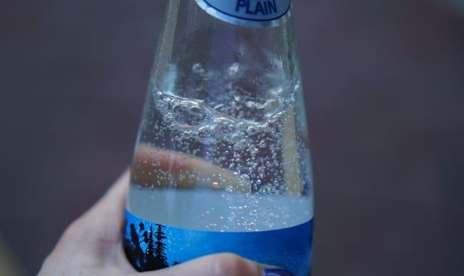 Bouteille d'eau gazeuse