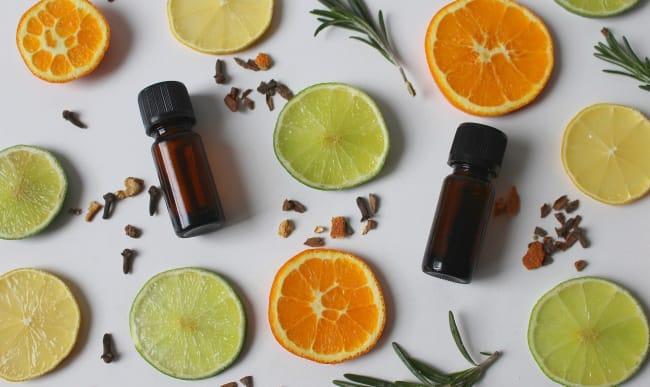 Huiles essentielles de citron et d'orange