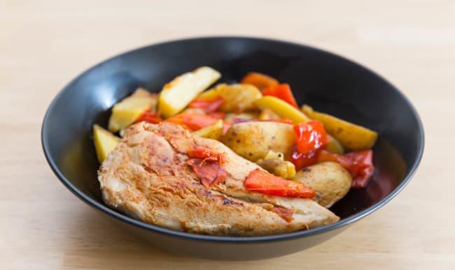 Poitrine de poulet, poivrons et pommes de terre