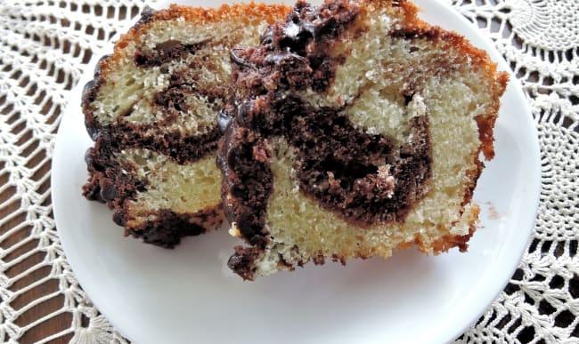 Tranches de cake marbré au chocolat