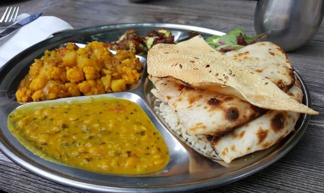 Repas indien avec chapati