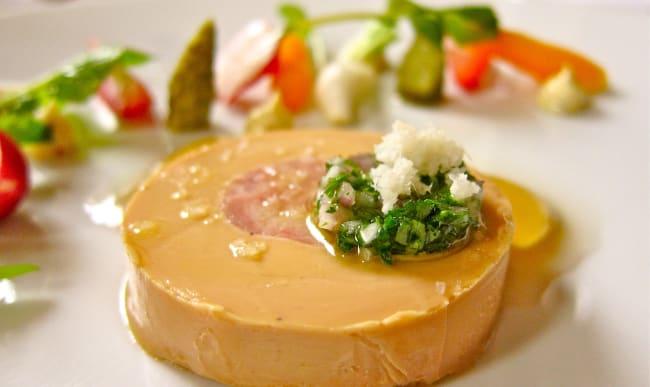 Foie gras et petits légumes de printemps
