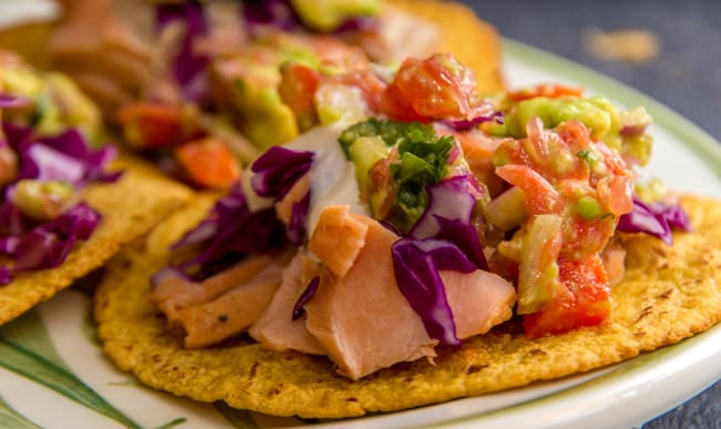 Tacos mexicains au poisson et salsa