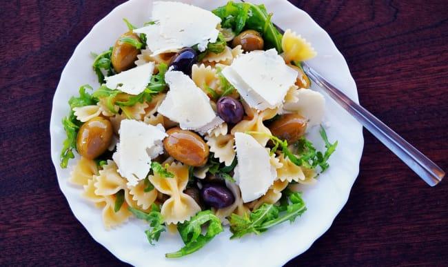 Salade de pâtes et fromage de brebis