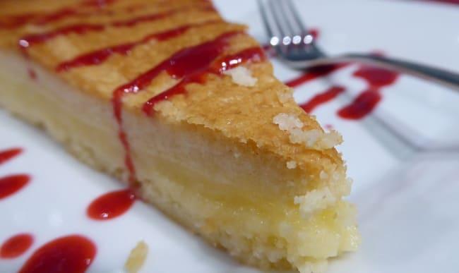 Dessert nappé de sirop de fraise