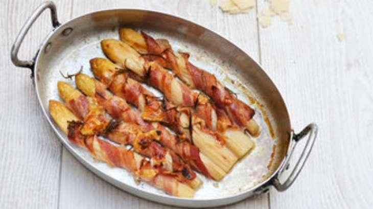 asperges blanches au bacon et parmesan recette par nathalielielie. Black Bedroom Furniture Sets. Home Design Ideas