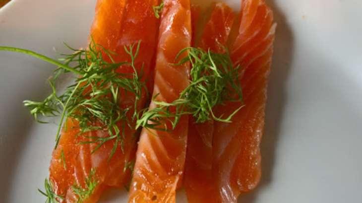 Saumon gravlax recette par regnier - Saumon gravlax rapide ...