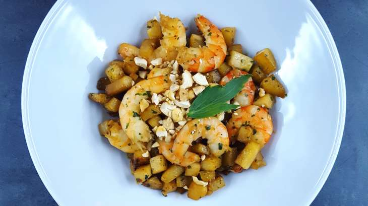 d licieux wok minute de chou rave et crevettes recette par la cerise sur lemaillot. Black Bedroom Furniture Sets. Home Design Ideas
