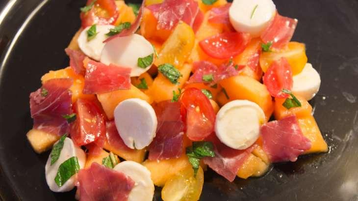 salade de melon viande des grisons mozzarella et menthe recette par papillonette. Black Bedroom Furniture Sets. Home Design Ideas
