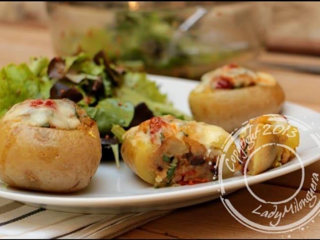 Pommes de terre farcies aux tomates séchées et olives noires