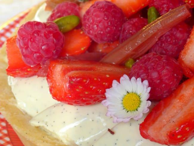 Tarte rhubarbe, fraises, framboises et vanille