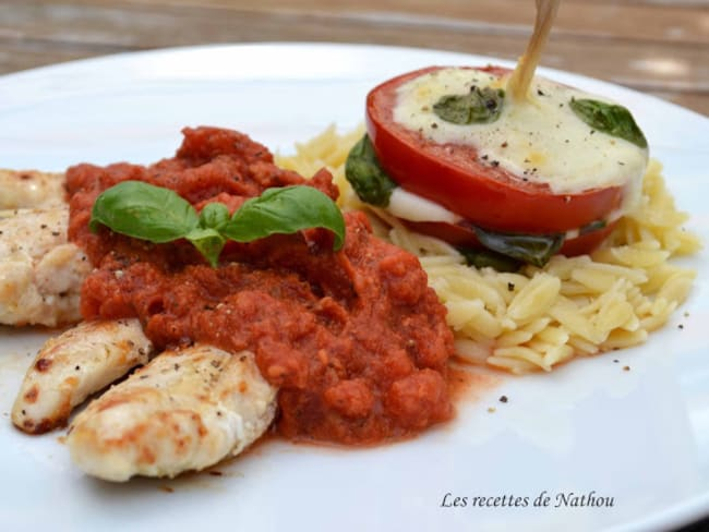Aiguillettes de poulet sauce tomate-mozzarella