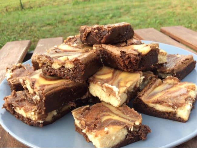 Brownie cheesecake au chocolat noir et beurre de cacahuètes