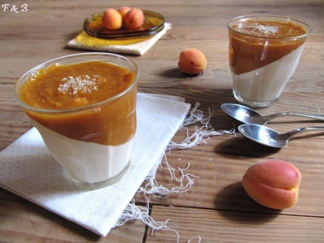 Panna cotta amande et compotée d'abricots