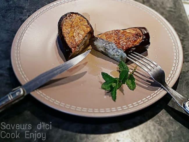 Aubergines farcies au fromage de chèvre frais, amandes et menthe