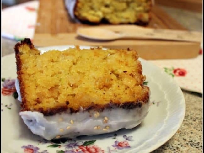 Cake sucré à la courgette et à l'ananas