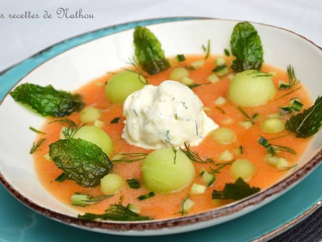 Soupe aux deux melons, concombre, menthe croustillante