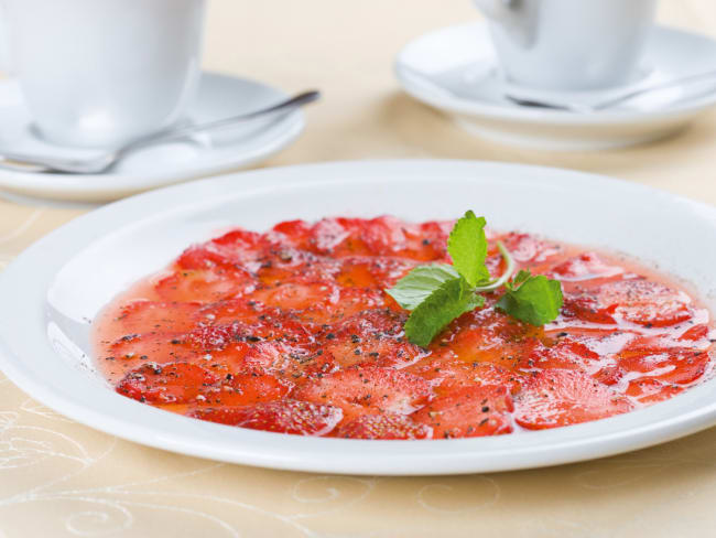 Carpaccio de fraises au basilic